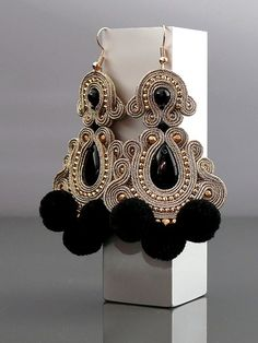 Beautiful, impressive Soutache earrings, made of Soutache strings with Onyx and glass beads. Soutache Necklace, Beaded Earrings, Crochet Earrings, Jewelry Making Beads, Cute Jewelry, Handmade Necklaces, Handmade Jewelry, Bohemian Bracelets, Polymer Clay Charms