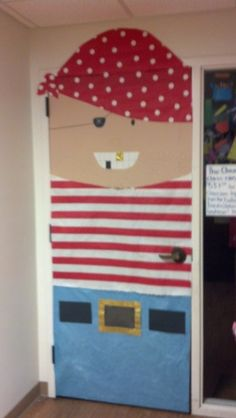 Pirate Themed Classroom Door Decoration Idea - So much fun for an ocean theme! Class Decoration, School Decorations, School Themes, Classroom Door, Classroom Themes, Pirate Door, Teach Like A Pirate, Pirate Bulletin Boards, Pirate Activities