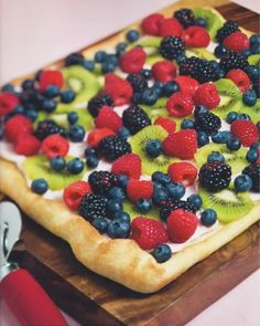 I love fruit pizza, but I use crescent rolls for the crust.  #berryblue    http://www.getyourrearingearblog.com/featured-articles/recipe-fruit-pizza/