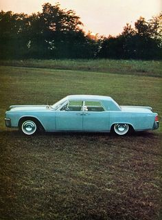 1964 Lincoln Continental, Powder Blue, Like some guys pants and shoes were in the sixties.