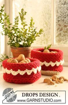 """Cesta DROPS de Navidad en ganchillo / crochet en """"Eskimo"""" y """"Glitter"""". ~ DROPS Design"""