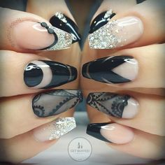 Lace nails and black negative space