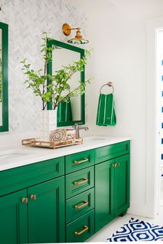 Green and Neutral Bathroom with Mirrors, Patterned Wallpaper and Blue-and-White . Green and Neutral Bathroom with Mirrors, Patterned Wallpaper and Blue-and-White Rug # Neutral Bathroom, Bathroom Colors, Bathroom Ideas, Bathroom Green, Colorful Bathroom, Bright Bathrooms, Bathroom Vanities, White Bathrooms, Mirror Bathroom