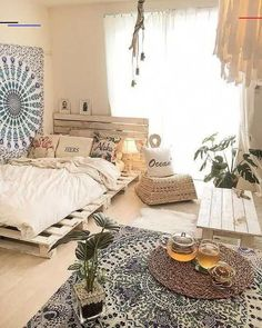 Here are the Minimalist Bedroom Decor Ideas. This post about Minimalist Bedroom Decor Ideas was posted under the Bedroom category by our team at January 2019 at am. Hope you enjoy it and don't forget to share this . Cute Bedroom Decor, Bedroom Boho, Luxurious Bedrooms, Home Decor, Chic Bedroom, Small Bedroom, Bedroom Decor, Boho Bedroom Decor, Rustic Bedroom