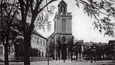 So sah es einst hier aus: Die Pfarrkirche Sankt Marien mit dem Denkmal, von dem nur der Sockel blieb.