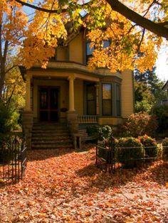 Jolie maison jaune