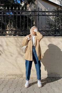 Hijab Fashion Summer, Modest Fashion Hijab, Korean Girl Fashion, Modern Hijab Fashion, Street Hijab Fashion, Hijab Fashion Inspiration, Hijab Chic, Summer Fashion Outfits, Muslim Fashion