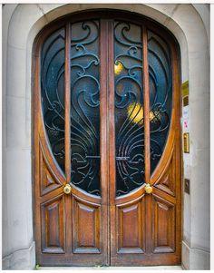 Art Nouveau Door, Beaubourg/Les Halles district of Paris - love the doors! Cool Doors, Unique Doors, The Doors, Entrance Doors, Doorway, Windows And Doors, Entrance Ideas, Front Doors, Art Deco