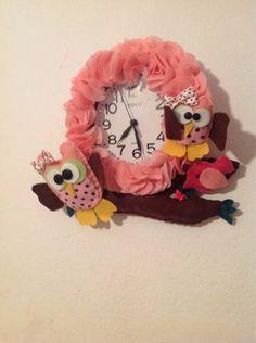 Relógio de parede com corujinha no tronco. ideal para quarto de menina. faço em outras cores e modelos para quarto de menino. R$ 38,00