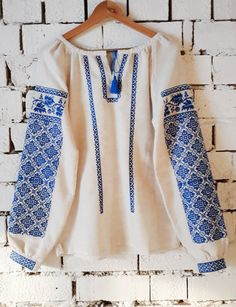 Вишиванка, жіноча вишивана блузка на домотканому полотні (Арт. 02041)