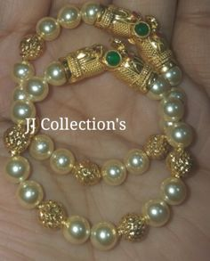 Pearl Necklace Designs, Jewelry Design Earrings, Gold Earrings Designs, Gold Necklace, Gold Bangles Design, Gold Jewellery Design, Bridal Jewelry, Beaded Jewelry, Baby Jewelry
