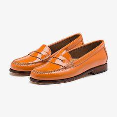 Esta mañana, me he encontrado con estos preciosos zapatos tipo mocasín en ModCloth .          Me ha llamado la atención que fueran de piel ...
