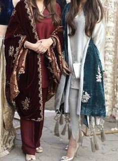 Pakistani Fashion Party Wear, Pakistani Formal Dresses, Pakistani Wedding Outfits, Pakistani Dress Design, Indian Fashion, Beautiful Dress Designs, Stylish Dress Designs, Designs For Dresses, Stylish Dresses