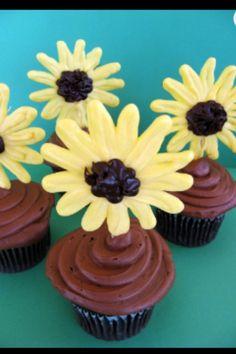 Chockleat flower cupcakes
