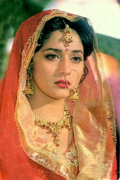 Cease To Exist Indian Bollywood Actress, Beautiful Bollywood Actress, Most Beautiful Indian Actress, Bollywood Fashion, Beautiful Actresses, Indian Actresses, Bollywood Saree, Neelam Kothari, Indian Aesthetic