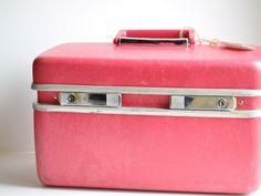 Vintage Samsonite Train Case, the predecessor to the Kaboodle.