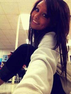 cute make up and hair too.