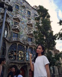 Travel like a celebrity this summer: Joan Smalls takes on Spain