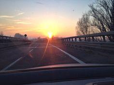 ...si ritorna in azienda dopo essere stati su un cantiere e questo cielo ci fa compagnia!! www.cinesrl.it #tramonto #piacenza #lunedì #fotovoltaico #riscaldamentoelettrico