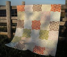 Riley Blake: Hourglasses Quilt tutorial