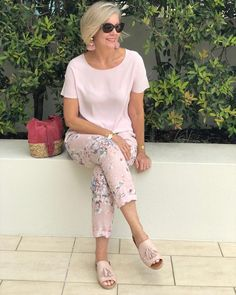 The Best Fashion Ideas For Women Over 60 - Fashion Trends Over 60 Fashion, Over 50 Womens Fashion, 50 Fashion, Plus Size Fashion, Fashion Outfits, Fashion Trends, Fashion Stores, Pink Fashion, Cool Summer Outfits