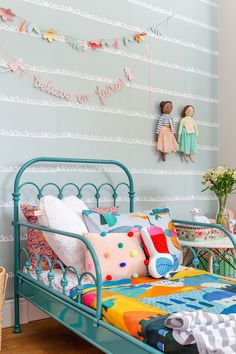 Break free from the usual 'blues for boys' and 'pink for girls' and transform your kid's room in stunning ways. Scroll through the amazing gender neutral room ideas for kids now. Romantic Bedroom Decor, Deco Kids, Kids Room Design, Little Girl Rooms, Kid Spaces, New Room, Girls Bedroom, Room Inspiration, Home Decor