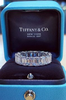Idée et inspiration Bague De Fiançailles : Tiffany Engagement Rings That Will Totally Inspire You ❤️ tiffany engagement rings eternal wedding band emerald shaped engagement rings engagement ring boxes ❤️ See more: ohsoperfectpropos. Engagement Ring Tiffany, Emerald Shape Engagement Rings, Vintage Engagement Rings, Tiffany Wedding Rings, Halo Engagement, Emerald Band Ring, Tiffany Rings, Morganite Engagement, Emerald Diamond