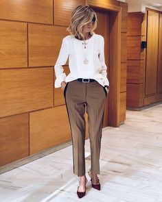 Just Style or Komplette Outfits, Casual Work Outfits, Business Casual Outfits, Business Attire, Fashion Outfits, Business Fashion, Over 50 Womens Fashion, Fashion Over 50, Work Fashion