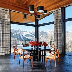 For his personal winter wonderland in the Rocky Mountains, #AD100 architect Peter Marino designed the home to highlight the spectacular surrounding views. Photo by @rogerdaviesphotography