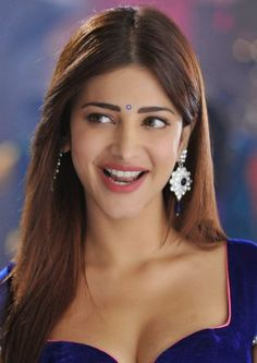 Shruti Hassan Sexiest Cleavage and Navel Show Ever In 'Pimple Dimple' Song From Telugu Film Yevadu
