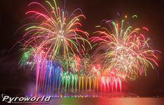 #Colorful #Fireworks Annecy 2014 - Fête du lac - Parente fireworks - Photo credits: Florian Ferfer - 2-8-2014 — with Piro Efx.