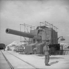 BL 15 in coastal gun of the Wanstone Battery St Margaret-at-Cliffe England United Kingdom 18 May 1942.