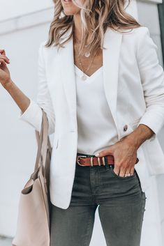 A Cute Business Casual Outfit (Cella Jane) Cute Business Casual, Business Casual Outfits, Professional Outfits, Business Casual Sneakers, Business Style, Work Fashion, Fashion Outfits, Womens Fashion, Fashion 2017