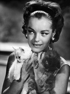 Romy Schneider et chatons