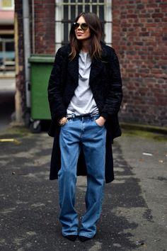 Long coat, tee and jeans. Via MAJA WYH