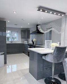 Grey Kitchen Designs, Kitchen Room Design, Modern Kitchen Design, Modern House Design, Interior Design Kitchen, Luxury Homes Dream Houses, Dream Home Design, Cuisines Design, Küchen Design