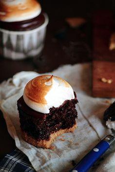 Smores Cupcake     Greedy Gourmand