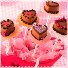 Heart shape mini cake pops  Something you can create for Valentine parties, speed dating and other romantic events #bestovengloves #gloven