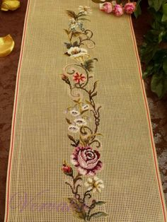 This Pin was discovered by Gül Cross Stitch Borders, Cross Stitch Flowers, Cross Stitching, Cross Stitch Embroidery, Cross Stitch Patterns, Silk Ribbon Embroidery, Hand Embroidery, Embroidery Designs, Stitch Crochet