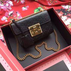 Gucci AW 2016 Padlock Gucci Signature shoulder bag Black