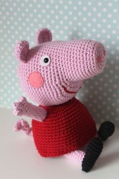 peppa pig de ganxet / peppa pig de ganchillo / crocheted peppa pig ---- amigurumi link to free pattern LUA-LAURA