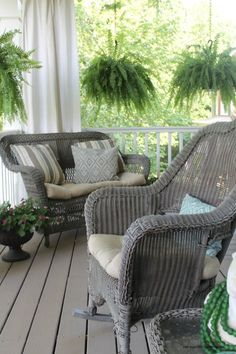 Charmant My 2 Favorite Paint Colors For Creating A Weathered Gray Finish. Wicker  Porch FurniturePainting ...