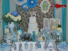 E para a linda Julia, uma decor todas inspirada nas cores azul, prata e branco #debut