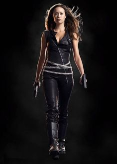 Summer Glau in The Sarah Connor Chronicles. Summer Glau Terminator, The Sarah Connor Chronicles, Lena Headey, Badass Women, Looks Style, Sci Fi, Celebs, Actresses, Womens Fashion