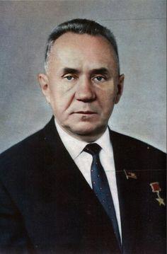 Итогом разработанных Алексеем Косыгиным экономических реформ стала так называемая золотая восьмая пятилетка 1966-1970 годов. За это время:
