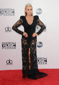 2014 American Music Awards - Arrivals - Celebrity Fashion Trends