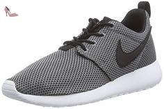 Roshe Two (GS), Sneakers Basses Mixte Enfant, Noir (Black/White), 38.5 EUNike