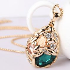 Diamante Brilhante e Gota de Flor de Cristal