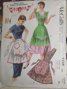 Vintage 1944 McCall 1124 Sweetheart Bib or Gathered Point Half Apron Pattern-M Half Apron Patterns, Vintage Apron Pattern, Aprons Vintage, Mccalls Patterns, Vintage Sewing Patterns, Clothing Patterns, Embroidery Patterns, Embroidered Apron, Cute Aprons