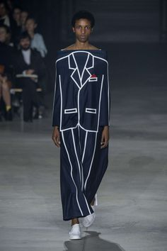 See all the Collection photos from Jacquemus Spring/Summer 2016 Ready-To-Wear now on British Vogue Couture Mode, Style Couture, Couture Fashion, Fashion Art, Runway Fashion, High Fashion, Fashion Show, Fashion Design, Fashion Trends